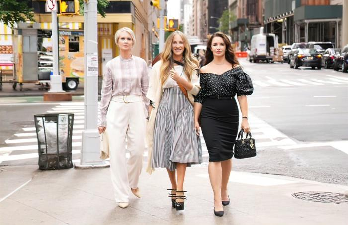 """Cynthia Nixon, Sarah Jessica Parker and Kristin Davis in a promotional shot for """"And Just Like That"""" filming in NYC"""